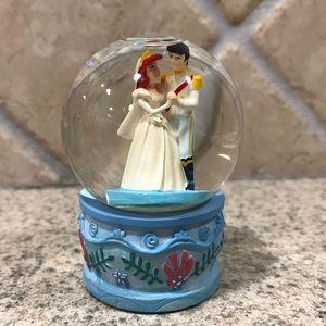The Little Mermaid Ariel Wedding Mini Snow globe